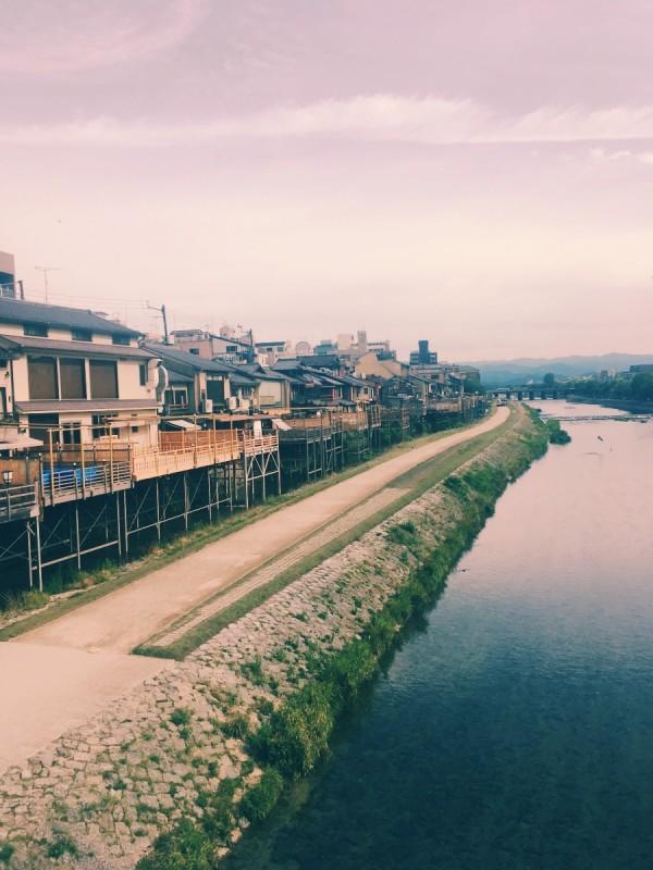 早朝の鴨川
