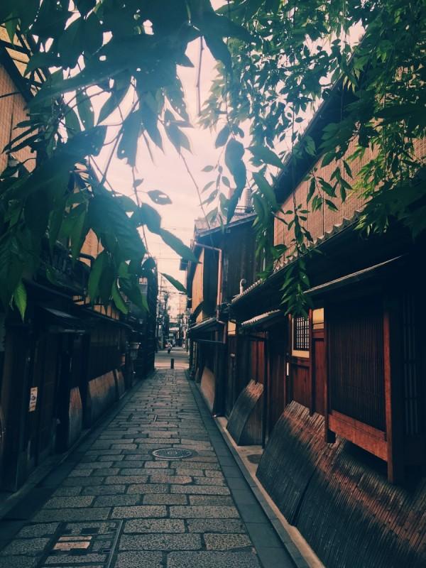 早朝の祇園